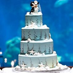 Mickey Mouse and Minnie Wedding Cakes - The Wedding SpecialistsThe Wedding Specialists