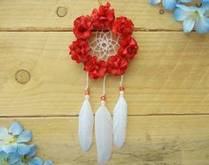 i just want to learn to do something new with your ideas. Thanks for inspired me by your creative ideas. Credit goes to the owner. Small Dream Catcher, Dream Catcher Boho, Dream Catchers, Los Dreamcatchers, Boho Dreamcatcher, Red Flowers, Paper Flowers, Pink Car Accessories, Girly Car
