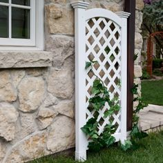 The New England Arbors Vinyl Luxembourg Privacy Arch Trellis can serve a lot of purposes. It's ideal for hiding unsightly outdoor fixtures. Garden Arch Trellis, Privacy Trellis, Privacy Screen Outdoor, Privacy Screens, Trellis Ideas, Porch Privacy, Cheap Pergola, Backyard Pergola, Pergola Plans