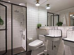 Uma das coisas mais frustrantes em apartamentos pequenos é aquela sensação de aperto. O dono desta kitnet enfrentava os mesmos problemas e contratou a ST D