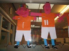 jufjanneke.nl - Voetbal voetballer knippen en plakken