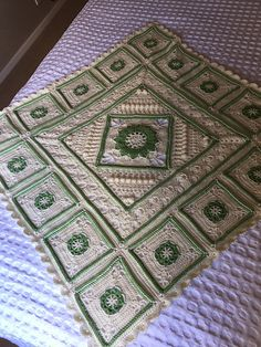 I used the charlotte square in the centre. The squares are the first 7 rows of the princess square.