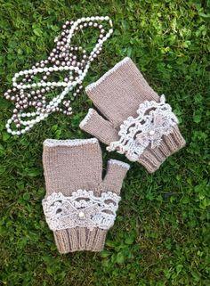 De jolies mitaines girly a vos mains , comme un bijou ,elles feront sensations, réalisé au tricot et au crochet ,création personnelle : Mitaines, gants par sandrine-campana