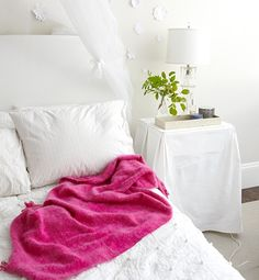 10 Quick Changes For a Better and Happier Bedroom