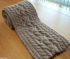 Triumph Cable Scarf Pattern ~ Smariek strickt kostenlose Muster Source by sharehostmom Knitting Stitches, Knitting Patterns Free, Knitting Yarn, Free Knitting, Scarf Patterns, Free Pattern, Knit Or Crochet, Crochet Scarves, Mittens Pattern