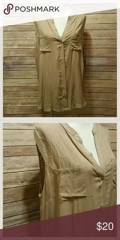 Plus size sleeveless blouse Beautiful tan colored sleeveless blouse.  Rounded vneck. Buttons up front. Brand new with tags. Size xxl Old Navy Tops