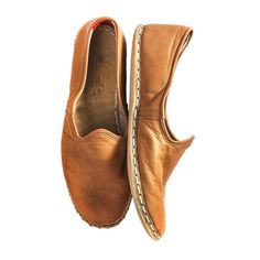 Quality Leather Shoes, handmade in Gaziantep, by a family of crafters that have been making traditional Turkish slippers for hundreds of years. Brough to you by the Dealer, Sabahs are made to last and can go with you anywhere. Where to next?