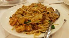 Love flat/fat noodles.  Yummy chow fun at China stix here in santa clara.