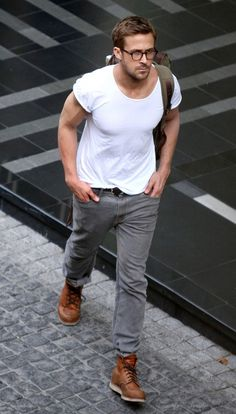 Relaxed street style - Ryan Gosling http://media-cache3.pinterest.com/upload/25825397833135564_yTsWIl6Z_f.jpg maximax men s street style