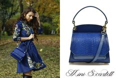 The royal blue mini Scarlett leather bag for chic ladies @comenziwildinga