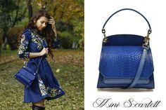 The royal blue mini Scarlett leather bag for chic ladies @comenziwildinga