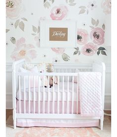 Nursery inspo for you lovelies. Happy Friday!  Image via @pinterest #thatwallpaper
