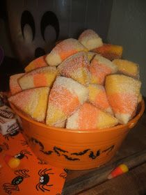 {Kaitlin in the Kitchen}: Candy Corn Sugar Cookies