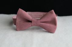Burgundy gingham bow tie for boys, toddlers, youth, men and babies made by Petits Enfants Closet! Youre never fully dressed without a bow tie. This listing is for this beautifully made Burgundy bow tie only. Whether it be for a birthday party, wedding or any other event, this burgundy gingham bow tie is perfect for boys/men of all ages. 〰〰ABOUT MY BOW TIES〰〰 ✔️Standard 7/8 strap ✔️Lined to ensure multiple wears ✔️Fabric Strap ✔️Made with love and care in a smoke free and pet free ho...