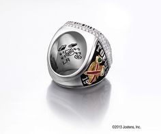 Chicago Blackhawks 2013 Championship Ring Vince Lombardi, Championship Rings, Stanley Cup, Chicago Blackhawks, Hockey, Rings For Men, Jewelry Making, Sports, Hs Sports