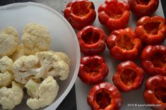 Deli Food, Romania, Pantry, Cauliflower, Cooking Recipes, Stuffed Peppers, Meat, Vegetables, Canning