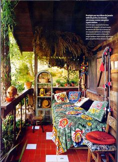 vintage sleeping porch Bohemian style~yeah I could hang here Bohemian Porch, Bohemian Interior, Bohemian Gypsy, Bohemian House, Bohemian Living, Bohemian Style Rooms, Bohemian Theme, Gypsy Living, Bohemian Baby