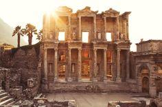 Удивительное место в Турции. Почему Эфес утратил свое торговое значение и пришел в упадок. Мои впечатления | OKEBLOG Notre Dame, Building, Travel, Viajes, Buildings, Destinations, Traveling, Trips, Construction