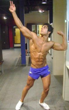 RIP Zyzz.  Son of Zeus.  Brother of Hercules.  Father of Aesthetics #forevermirin