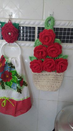 Kit Rosas puxa saco e porta pano de prato