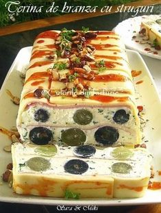 Cheese Terrine with grape-colors on your plate Finger Food Appetizers, Finger Foods, Appetizer Recipes, Jacque Pepin, Romanian Food, Romanian Recipes, Desert Recipes, Food Art, Food To Make
