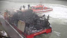 Belga, X, Catamaran volledig uitgebrand in Nieuwpoort,  www.hln.be, http://www.hln.be/hln/nl/922/Nieuws/article/detail/2078129/2014/10/07/Catamaran-volledig-uitgebrand-in-Nieuwpoort.dhtml, 7/10/14