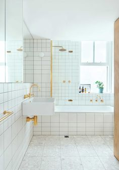 Flinders-Lane-Apartment-by-Clare-Cousins-Architects-Yellowtrace-08-e1402559965145