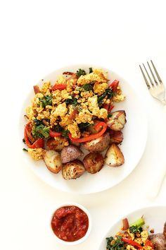 Easy Southwest Tofu Scramble! 10 ingredients, simple preparation and SO delicious!! #vegan #glutenfree