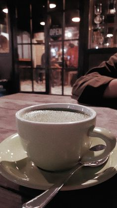 Greentea Latte by Lagani Coffee📍Yogyakarta - Karen K. Coffee Shake, Coffee Cozy, Coffee Photography, Food Photography, Iced Starbucks Drinks, Snap Food, Coffee Instagram, Food Crush, Food Snapchat