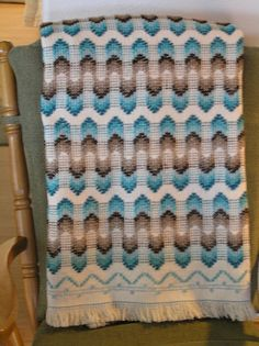 Natural Swedish Weave Blanket by NeenersWeaving on Etsy Needlepoint Patterns, Embroidery Patterns, Hand Embroidery, Swedish Weaving Patterns, Loom Patterns, Sewing Patterns, Swedish Embroidery, Chicken Scratch Embroidery, Robin