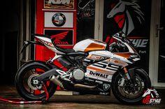 Ducati 959 Panigale lột xác trong bộ cánh cam chrome đầy ấn tượng | Show xe…