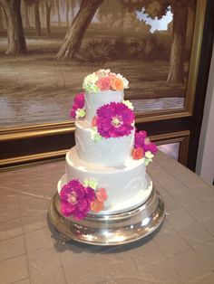 Handcrafted sugar paste flowers with buttercream piping. Sugar Paste Flowers, Wedding Cakes, Desserts, Food, Design, Wedding Gown Cakes, Meal, Wedding Pie Table, Deserts