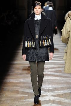 Dries Van Noten Fall 2012 Ready-to-Wear Fashion Show - Katlin Aas (IMG)
