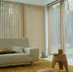 Cumpara jaluzele verticale pvc pentru decor casa ta si de birou. De asemenea, ține lumina soarelui nedorit departe provenind în interiorul camerei.