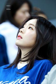 Irene of Red Velvet Perfect Side Profile, Korean Girl, Asian Girl, Rapper, Redvelvet Kpop, Kim Minseok, Red Velvet Irene, Beautiful Gorgeous, Woman Crush