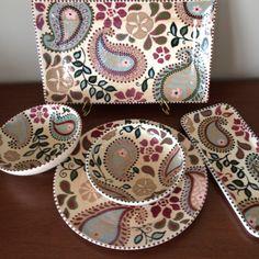 Pottery Painting, Ceramic Painting, Ceramic Plates, Ceramic Pottery, China Painting, Baby Art, Ceramic Design, Hand Painted Ceramics, Paisley Pattern