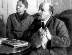 Lenin + his cat