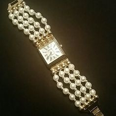 Joan Rivers watch. Classic quartz. ☆ battery-power Pearl n gold tone watch Joan Rivers  Jewelry
