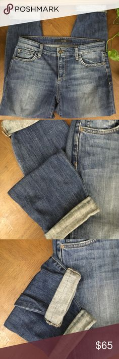 "Joe's Jeans Cuffed Cropped Skinny Jeans Joe's Jeans Cuffed Cropped Skinny Jeans Sz 27 Details Cute cropped skinnies with wide retro-chic cuffs Set-on waistband with belt loops Button closure Zip fly Five-pocket style Sewn cuffs Rise, about 8.5"" Inseam, about 24"" Cotton/spandex Machine wash Imported Model shown is 5'10"" (177cm) wearing US size 4. Style code: 0400089528246 Joe's Jeans Jeans Skinny"