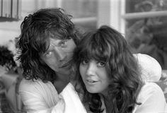 """simpledreamin: Linda Ronstadt and Mick Jagger, Malibu, CA 1976 """"Ronnie Wood's House in Malibu was a magnet for musicians and Linda was just one of the many talented female singers who dropped in to add their voices to the all-night jam sessions. The Rolling Stones, Keith Richards, Mick Jagger, Rock N Roll, Robbie Robertson, Moves Like Jagger, Hippie Man, Ronnie Wood, Linda Ronstadt"""