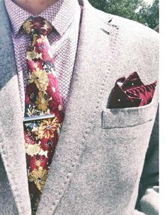 How GQ Are You? is always full of guys with truly inspirational style. Each day we're highlighting a look that really caught our attention, and leaving you with some tips for you to interpret. Fancy Tie, Gentleman's Wardrobe, Mixing Prints, 5 Ways, Floral Tie, Gq, Dapper, Classy, Style Inspiration