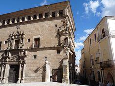 Palacio de los Duques de San Carlos, Trujillo