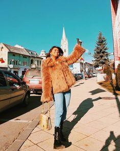 Sara Carvajal de Popa (@saracarvajaldepopa) • Instagram photos and videos Fur Coat, Hipster, Photo And Video, Instagram, Videos, Photos, Jackets, Style, Fashion