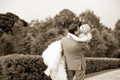 Wedding kiss from @heymeremere Instagram