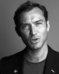Jude Law - Page 3 - the Fashion Spot Jude Law, Widows Peak Hairstyles, Hey Jude, Artist Aesthetic, I Have A Crush, Robert Downey Jr, Gorgeous Men, Beautiful People, Beautiful Pictures