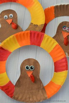 23 Thanksgiving Crafts To Do With Kids - Captain Decor This paper plate turkey craft is a fun Thanksgiving craft to do with kids. Daycare Crafts, Classroom Crafts, Thanksgiving Crafts For Kids, Holiday Crafts, Thanksgiving Decorations, Thanksgiving Turkey, Autumn Decorations, Thanksgiving Crafts For Kindergarten, Harvest Crafts For Kids