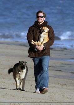 Jake Gyllenhaal with Boo and Atticus, 2006 on the beach in Malibu.