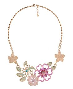I really like this necklace that I saw on Forever 21's website.