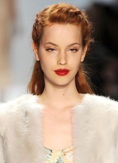 Why not hot red lips for a bride and bridesmaids with this simple shimmery eye. Almost retro, but still modern and soft.
