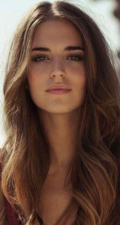 Woman : Viaggi senza Confini Most Beautiful Faces, Beautiful Gorgeous, Gorgeous Women, Girl Face, Woman Face, Brunette Beauty, Hair Beauty, Clara Alonso, Beautiful Actresses